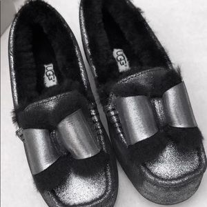 UGG metallic bow tie Loafer